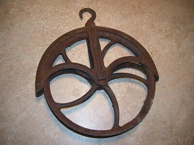 Antique Farm Primitive Industrial Cast Iron Spoked Well Pulley Steampunk