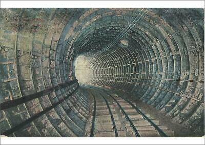 19922468 A1 (84x59cm) Poster of The Holland Tunnel Curve