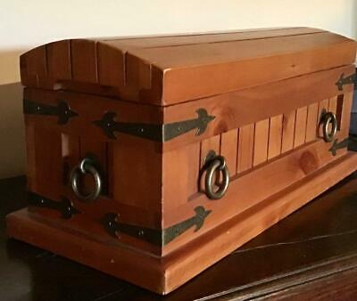 Very Unusual VINTAGE WOODEN SARCOPHAGUS Miniature Coffin DOME TOP + Metal straps