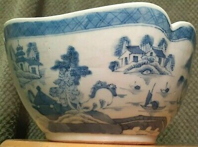 Antique Chinese Blue White Scalloped Corner Porcelain Salad Bowl