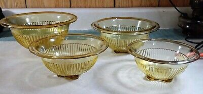 Vintage 4 Pc Set Federal Amber Gold Yellow Glass Nesting Bowls