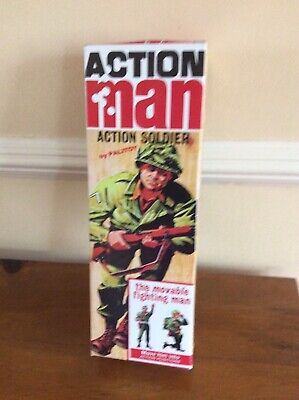 VINTAGE ACTION MAN 40th HARD HANDS 1 PAIR