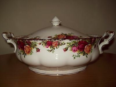 Royal Albert Old Country Roses Vegetable Tureen Mint Condition 1962