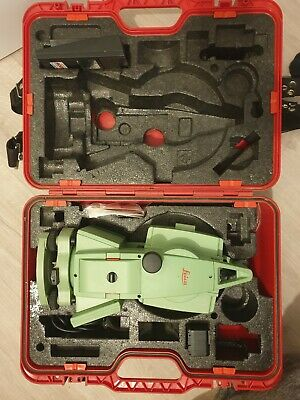 Leica TCR805 power Total Station R100