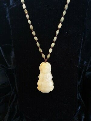 Vintage late 20C CHINESE  HAND CARVED  JADE , buddah jade necklace