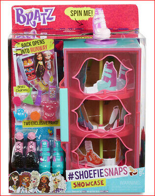 Bratz #Shoefiesnaps SHOWCASE + 2 Pairs Shoes + 5 Charms + More Display Case =NEW