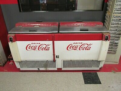 Cavalier CGD-C  5 1/2' Coke Coca Cola Chest Cooler Original.