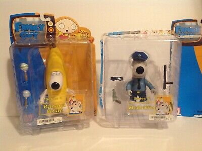 Family Guy Mezco Figures Lot of 2 Banana Brian and Cop Mcgriffin Rare