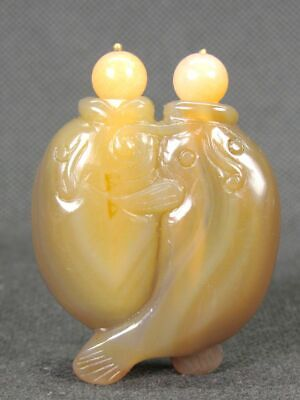 Chinese Two Fish Carved Natural Agate Snuff Bottle