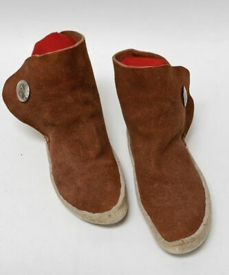 """Navajo Traditional Moccasins late 20th Century - Concho Button 9 1/2"""""""