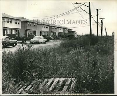 1965 Press Photo Vacant Land Developed in Sections of Medium-Size Parcels