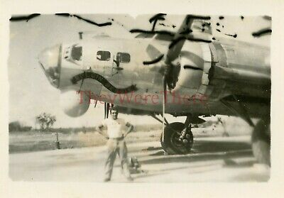 *WWII photo- 4th ERS -B 17 Flying Fortress Bomber plane Nose Art- BULGIN BESSIE*