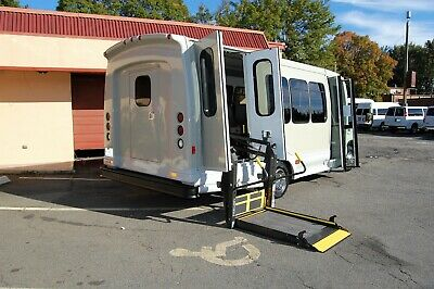 Very Nice Handicap Accessible Wheelchair Lift Equipped Mini Bus...unit 5651Ht