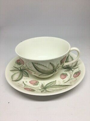 Susie Cooper C486 Wild Strawberries Cup and Saucer - Flawless