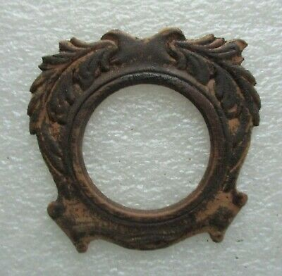 Singer Sewing Machine Co. Applied Carving For Front Of Drawer Wreath Style