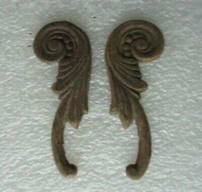 ORIGINAL PAIR SINGER SEWING MACHINE CO. APPLIED CARVINGS for side of case