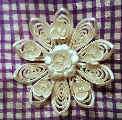 """VINTAGE 1940s WHITE FLOWER BLOSSOM PLASTIC CELLULOID PIN BROOCH 3"""""""