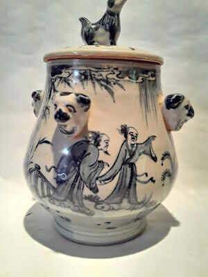 Antique Chinese B/W Lidded porcelain Urn with figures