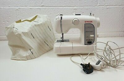 Singer Featherweight 100 Sewing Machine Vintage Retro Stitching working