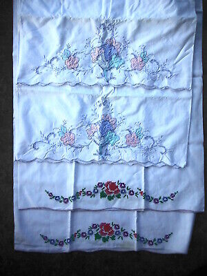 2 sets (4) Vintage PILLOW CASES Embroidery Patchwork
