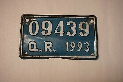 1993 Q R Motorcycle License Plate 09439 Blue and White #L92
