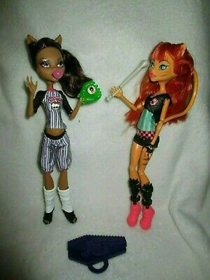 Monster High Dolls Clawdeen Wolf and Toralei from rhe Ghouls Sport collection