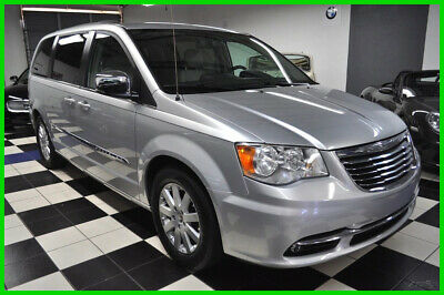 2011 Chrysler Town & Country TOURING-L - PRISTINE - WHEELCHAIR HANDICAP - LOADED 2011 Touring-L  NAVIGATION - LEATHER - CLEAN CARFAX