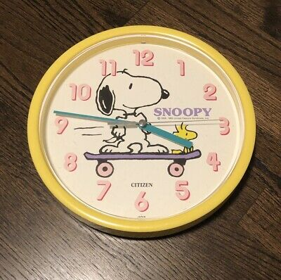 Snoopy & Woodstock Skateboard Citizen Wall Clock 1965 Yellow Charles Schultz