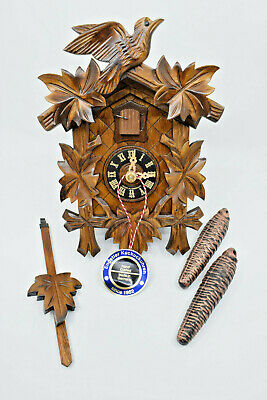 Quality hand-carved, *all mechanical* German cuckoo clock 11-09  – NEW OLD STOCK