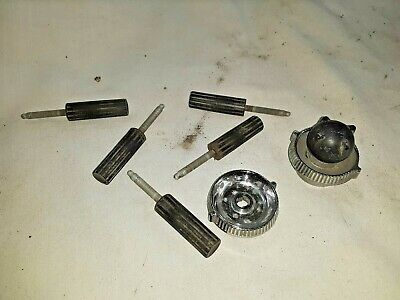 1951 Ford Radio Knobs & Push Buttons   -  0F36