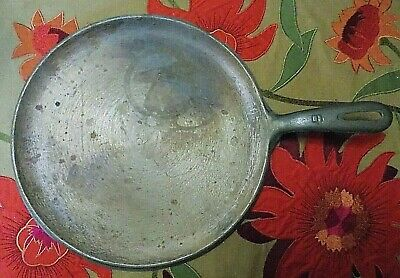 Rare Vintage 1950's Wagner Ware NO 9  10 1/4 Cast Iron Unmarked Griddle