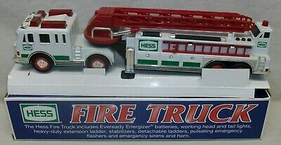"""Hess 2000 """"Fire Truck"""" with Extension Ladder In Original Box"""