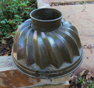 Antique Primitive Footed Metal Swirl Bundt Pan Germany D.R.G.M. and Anchor Logo