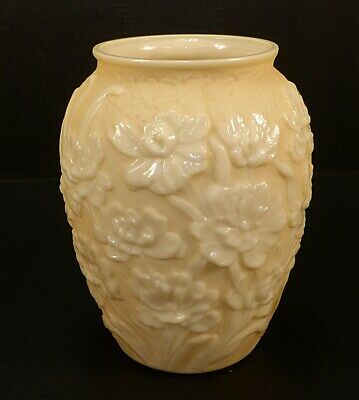 Vintage Art Deco Phoenix Consolidated La Fleur Poppy Satin Custard Glass Vase