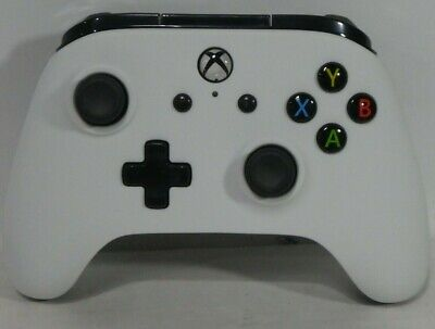 XBOX ONE Power A Enhanced wired controller for XBOX ONE WHITE