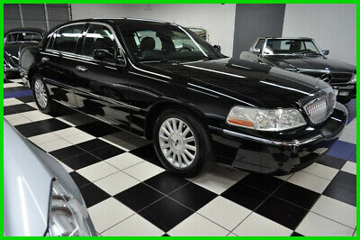 2004 Lincoln Town Car 49K MILES - OUTSTANDING - CERTIFIED CARFAX 2004 Signature  - FLORIDA LOW MILES - GARAGED - not cartier
