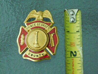 Vintage Obsolete Prince Georges County fireman red enamel fire Badge Maryland