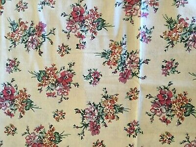 "Vintage Cotton Fabric - Floral Nosegay Pattern - 44"" x 2 Yd + 20"""