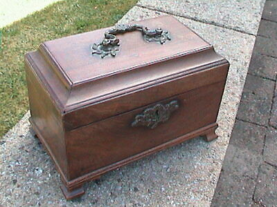 GEORGIAN CHIPPENDALE STYLE TEA CADDY c. 1800