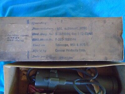 WWII US Army M39C light in box of issue, 1944