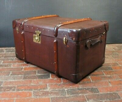 Beautiful English Banded Trunk with Original Tray