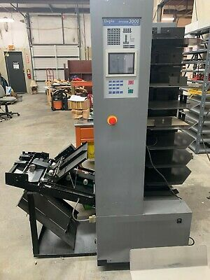Duplo 8/32 Collator with Lift Unit