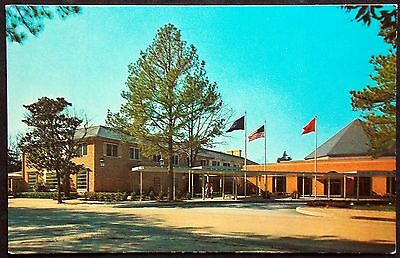 Postcard - Williamsburg Lodge, Virginia