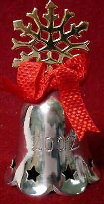 INTERNATIONAL Silver ANNUAL BELL 2002 SNOWFLAKE