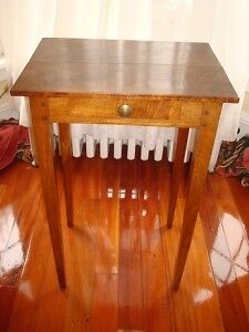 COUNTRY FRENCH EARLY 1800's ONE DRAWER TABLE WALNUT