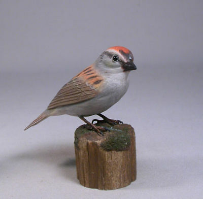 Chipping Sparrow Backyard Bird Carving/Birdhug