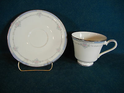 Royal Doulton Lisa H5154 Cup and Saucer Set(s)