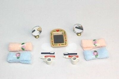 NEW Dolls House Bathroom Accessories Set - Towels Toothpaste Mirror Etc FREE P&P