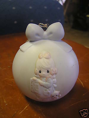 PRECIOUS MOMENTS-1992 Christmas Ornament w/Stand