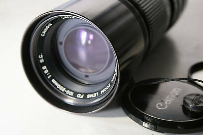 Canon 100-200mm f5.6 FD Lens S.C Manual focus lens with hood & case mint